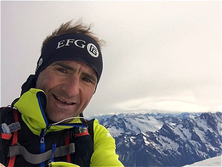 Selfie of Ueli Steck on the summit on the Mönch (Photo: Ueli Steck)