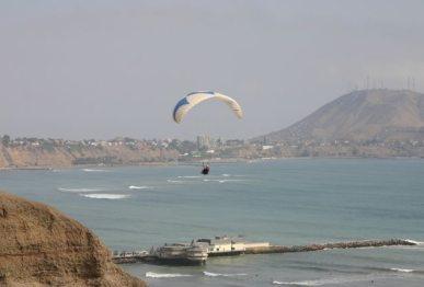 miraflores-beach-lima-03.jpg
