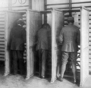 Voting_at_Dutch_elections_1918.jpg