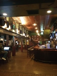 Yard of Ale is a craft beer bar in St. Petersburg, FL with food, daily specials and happyhour