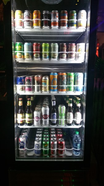 Right-Around-the-Corner-Brewery-Craft-Beer-Bar-St-Pete-bottles-cans