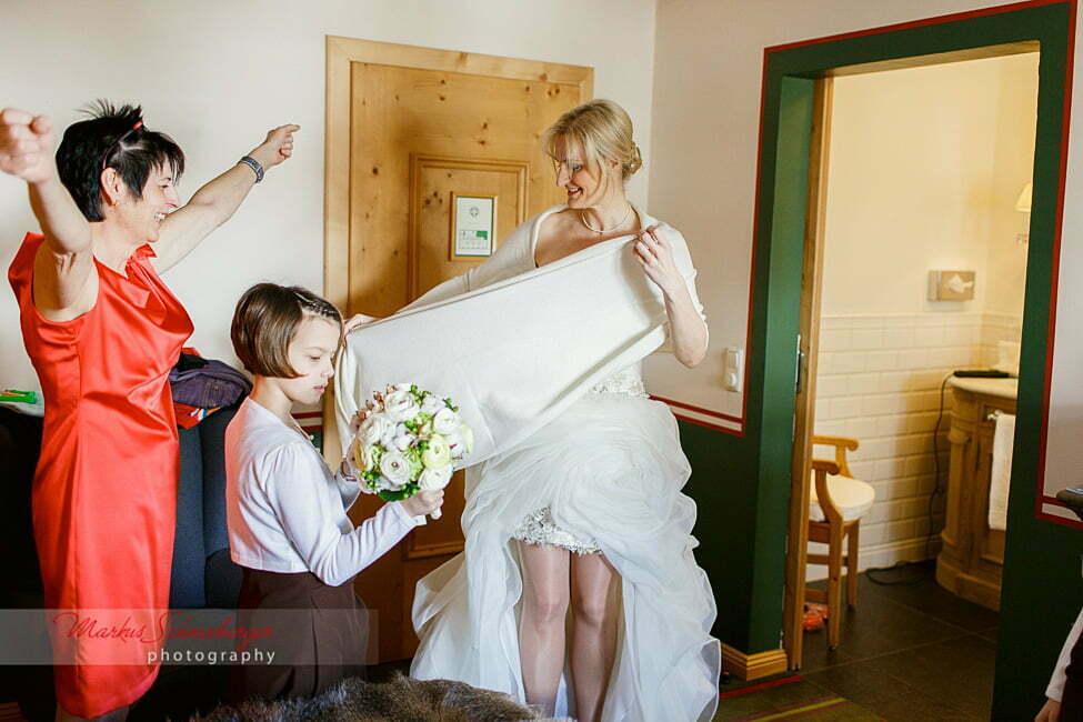 Winterhochzeit in Maria Alm Hinterthal  Hochzeitsfotos und Hochzeitsbilder von Markus