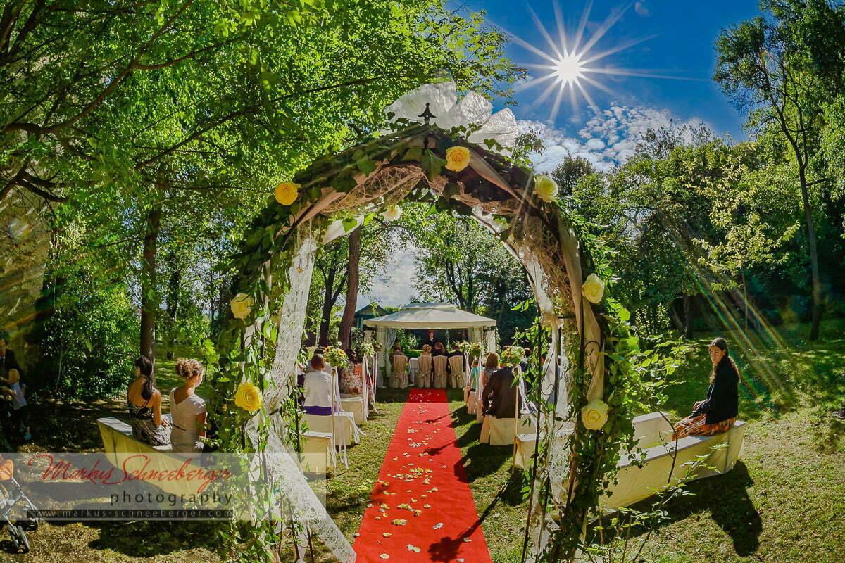 Eine Hochzeit in Perchtoldsdorf und beim Heurigen in Wien