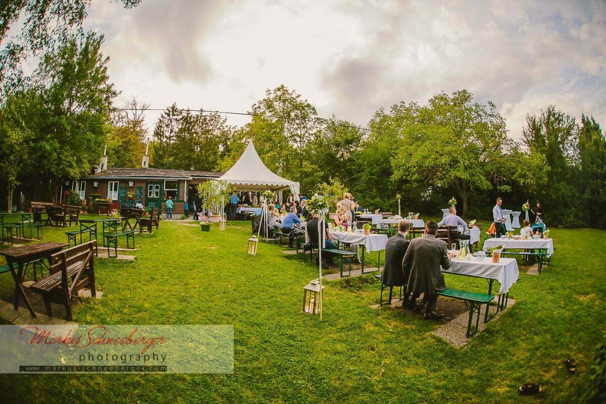 Eine Hochzeit in Perchtoldsdorf und beim Heurigen in Wien  Hochzeitsfotos und Hochzeitsbilder