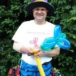 Ballonkünstler Markus Toni Vallen im Regenbogenland