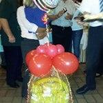 Geschenkballon zum 70. Geburtstag mit Folienballon