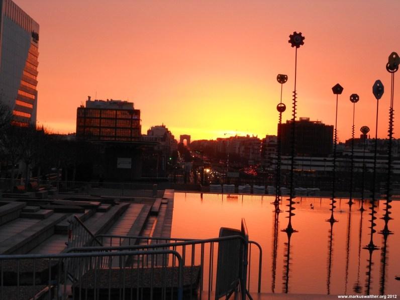 Sonnenuntergang Esplanade de La Defense