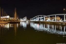 Hafen in Barcelona bei Nacht