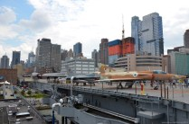 Lower Manhattan und Intrepid Sea, Air & Space Museum, New York