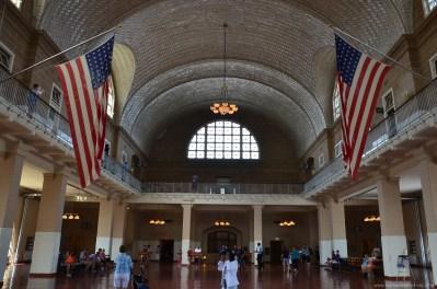 Wartehalle im Ellis Island Hauptgebäude, New York