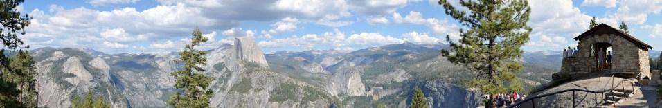 Panorama über den Yosemite Nationalpark mit Half Dome