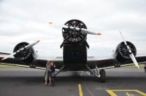 Frontansicht auf die JU-52 mit ihren drei BMW 132 A/3 Triebwerken