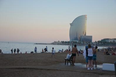 Blick auf das imposante W Hotel Barcelona