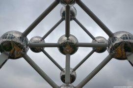 Atomium von unten
