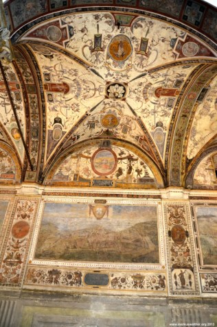 Wandgemälde im Innenhof des Palazzo Vecchio
