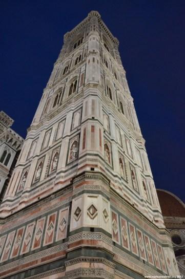 Glockenturm von Santa Maria del Fiore bei Nacht
