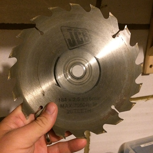 20 teeth circular saw blade is no good for cutting laminate worktops