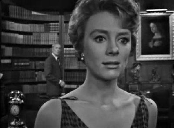 "La fille robot dans ""The Lateness of the Hour"", épisode de La Quatrième dimension (1960)"