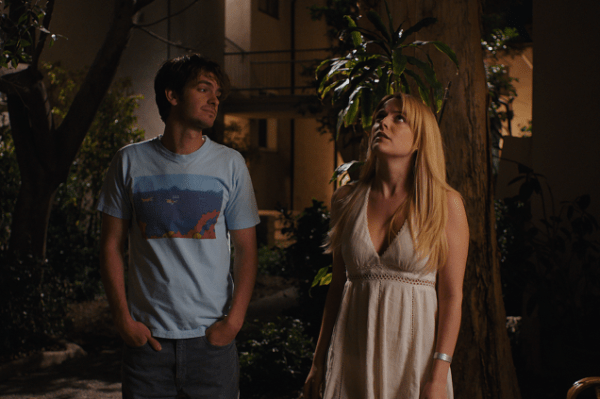 Sam (Andrew Garfield) et Sarah (Riley Keough) dans Under the Silver Lake