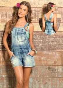 Uma peça jovial para o verão que está sempre em moda. Pode ser feito em Jeans, como este da Posthaus, ou sarja, piquet, brim, linhão... Segue esquema de modelagem do 36 ao 56.