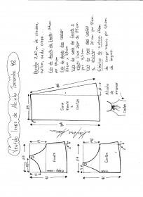 Esquema de modelagem de vestido de alcinha tamanho 42.