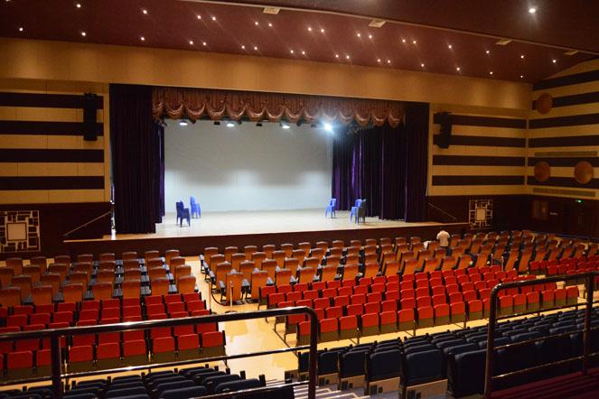 bassett office chair and half slipcover marlin || indian high school auditorium