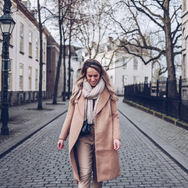 dit is de perfecte camel coat