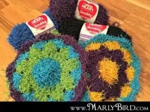 Flower Scrubby Pattern free from MarlyBird.com