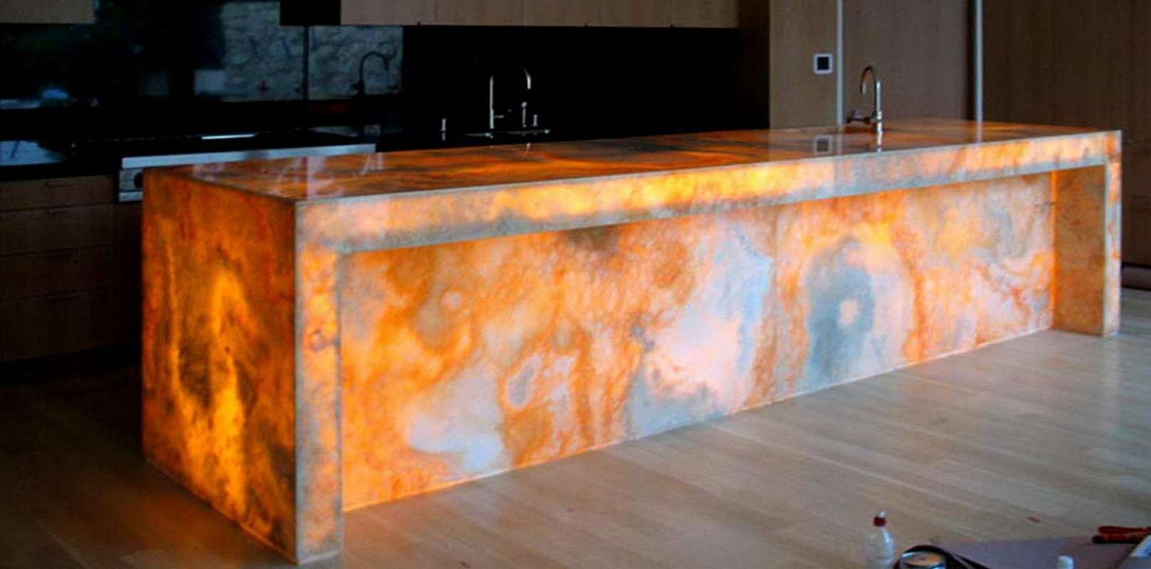 Galleria Backlit Onyx Marmi di Carrara