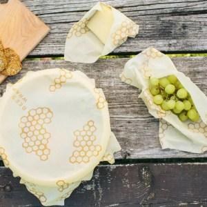bee s wrap emballage alimentaire pack 3 tailles 1 300x300 - Noël Green - Mes idées de cadeaux responsables