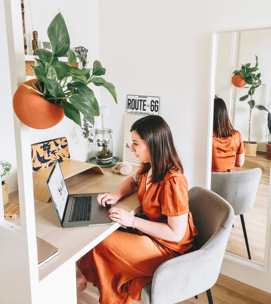 camille marmille marmillestudio workspace copie 914x1024 - Télétravail - 3 conseils pour bien travailler chez soi
