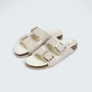 sandale birkenstock fausse fourrure oysho marmille 300x300 - Ma sélection shopping pour passer un automne doux et cocooning