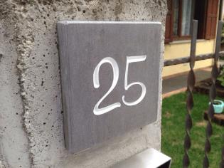 numero-civico-granito-di-medea-grezzo-01