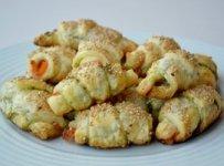 petits croissants au saumon fume