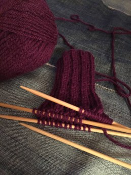 Ribbing on double pointed needles