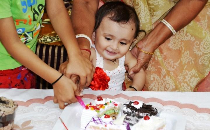 નાયરાની પ્રથમ જન્મદિવસ Nayra's first birthday
