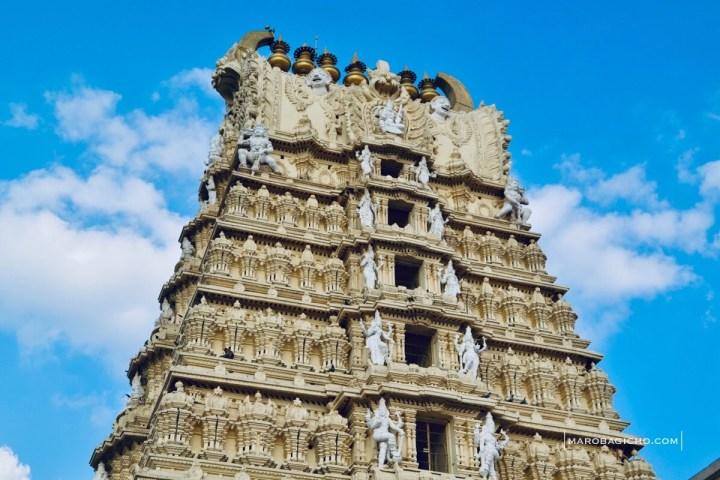 મૈસૂર શહેરની પાસે આવેલું ચામુંડેશ્વરી દેવીનું મંદિર. Chamundeshwari Temple near maysore city of karnataka state