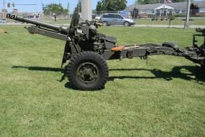 25-pounder_field_gun_small
