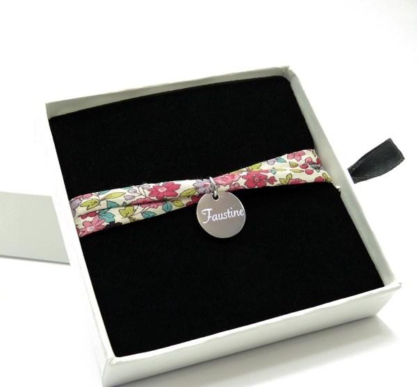 Bracelet personnalisé enfant cordon liberty.