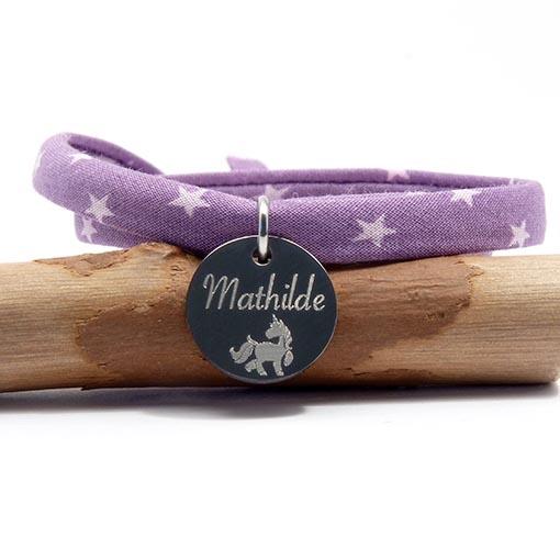 Bracelet personnalisé enfant cordon étoiles.