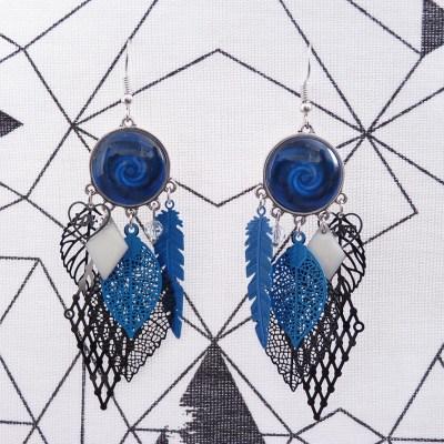 Boucles d'oreilles cabochons bleues, noires et blanches