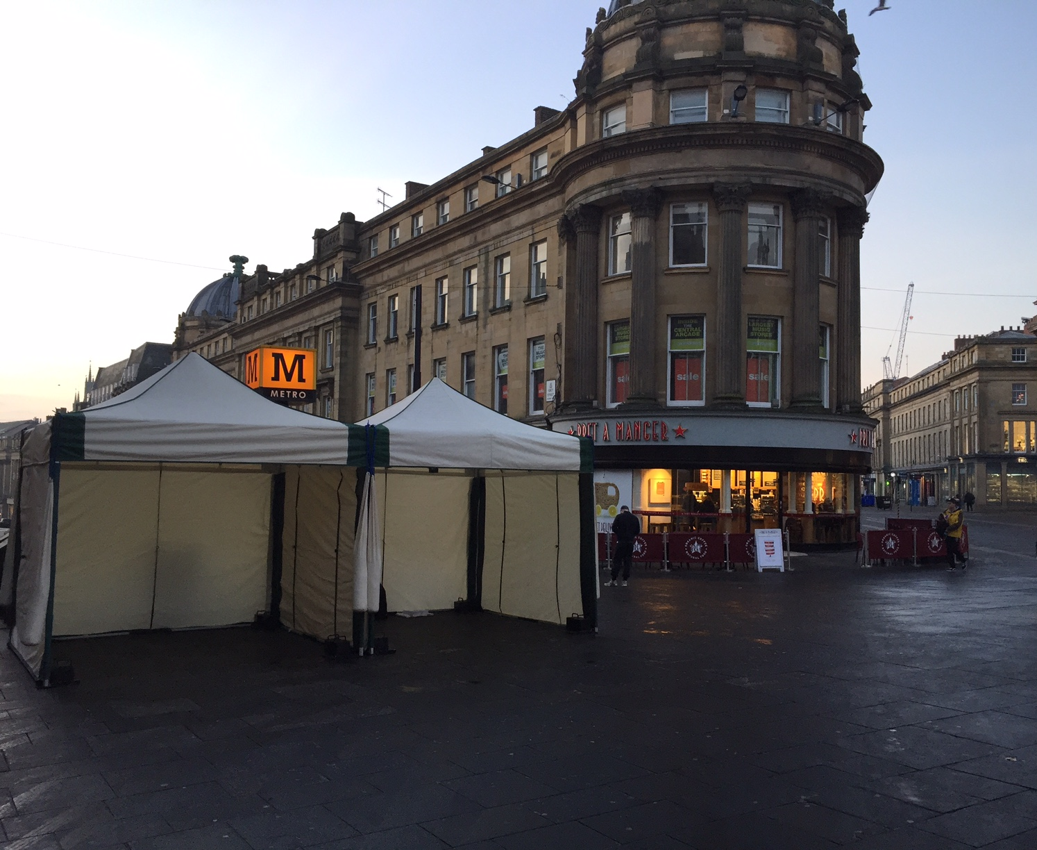 wedding chair covers newcastle upon tyne rocking walmart monumental marquees at greys monument