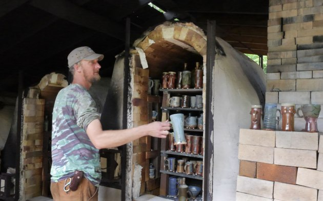 ryan dalman unloads his noburigama kiln photo