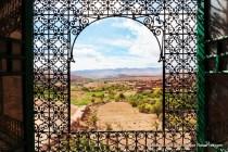 Vista da janela do Casbá de Telouet em Marrocos