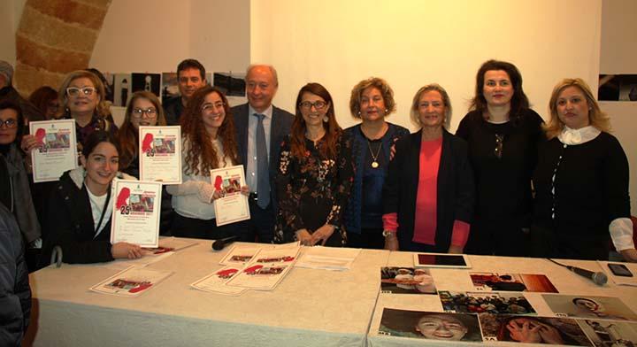 """Marsala: violenza contro le donne. L'attenzione dei giovani attraverso  le foto del concorso """"Rompiamo il Silenzio"""""""