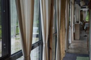 curtain-399497_960_720