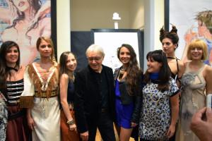 Manara e Paola Orrico con stiliste e modelle. Foto: Francesco Farina