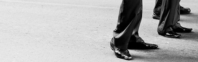 męskie buty nogi eleganckie