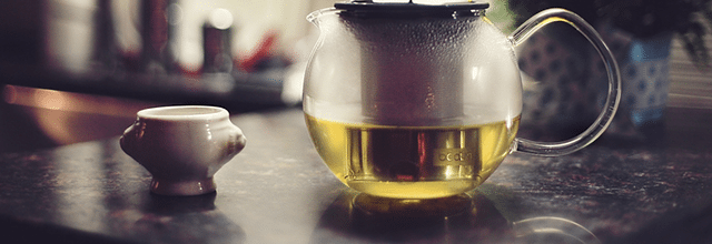 herbata dzbanek zaparzanie herbaty relaks humor nastrój