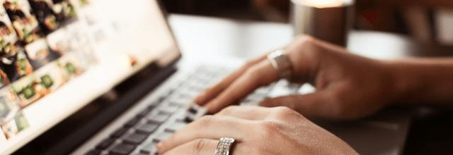 licytacja allegro komputer netbook notebook damskie dłonie pierścionki